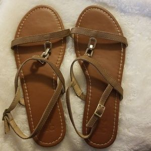 NY&C brown sandals with chain detail size 8